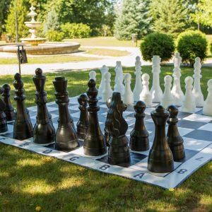Figury plastikowe do szachów plenerowych / ogrodowych (wysokość króla 105 cm)
