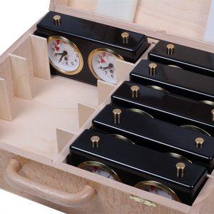 Drewniane kufry do przechowywania zegarów (dostępni wszyscy więksi producenci)