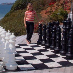 Figury plastikowe do szachów plenerowych / ogrodowych (wysokość króla 91 cm)